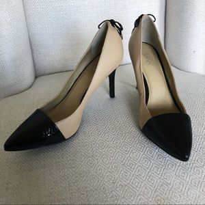 Levity Jalone Black and Tan Leather Heels